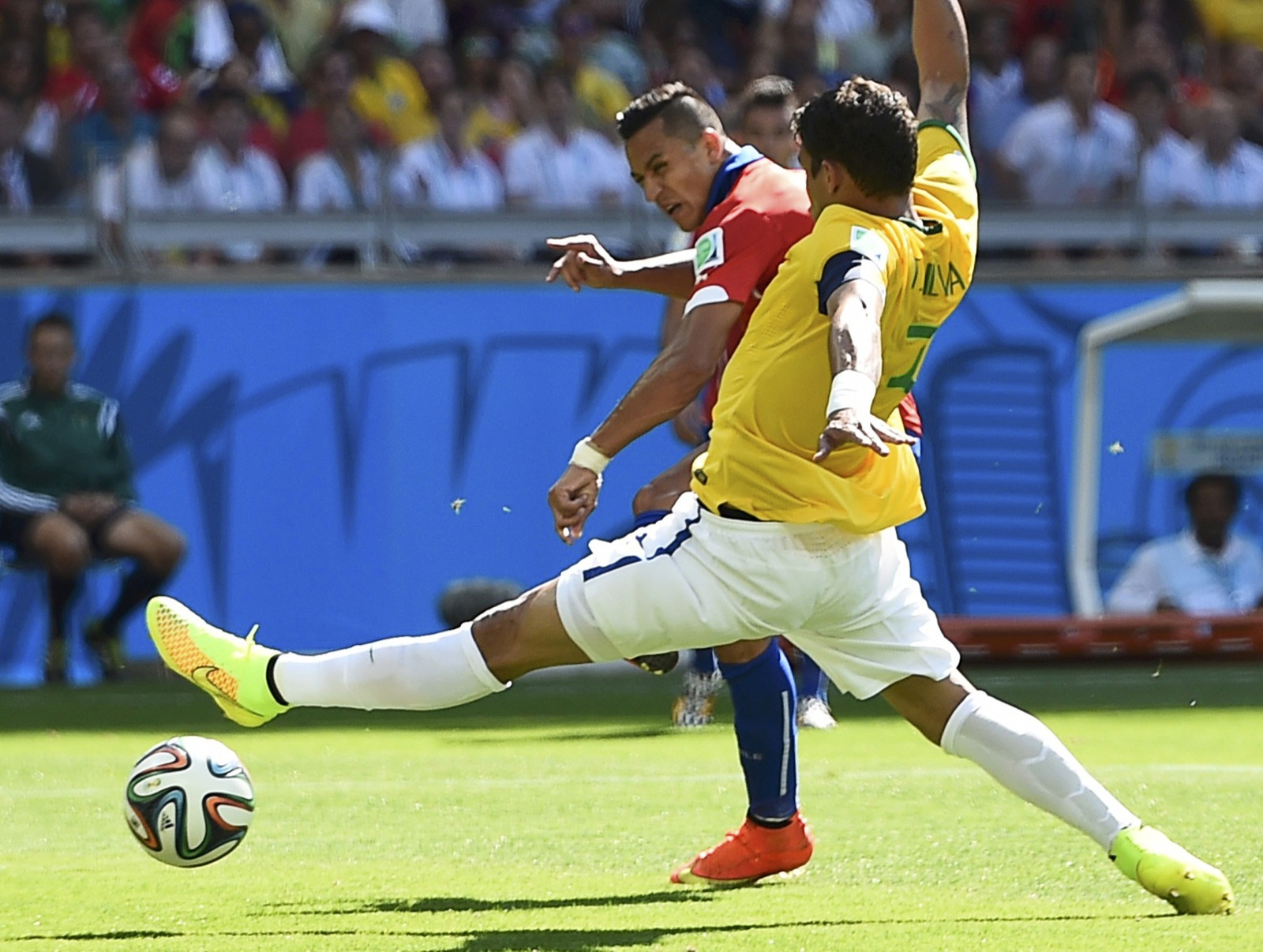 Chile's Alexis Sanchez scores goal to tie game at 1-1. REUTERS/Dylan Martinez