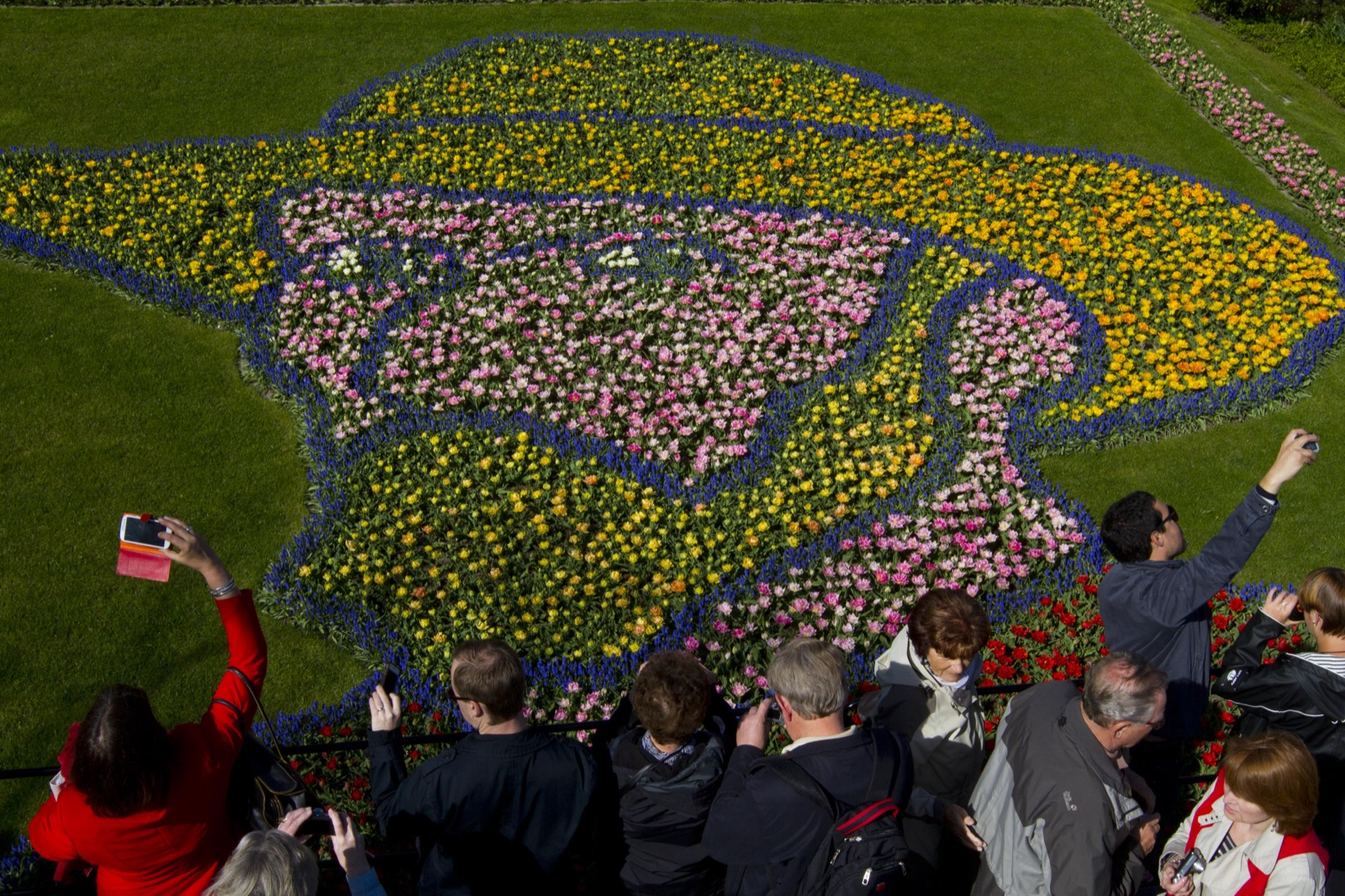 A floral arrangement depicting Dutch master Vincent van Gogh at Keukenhof, a spring park with approximately seven million flower bulbs, in Lisse, Netherlands. AP Photo/Peter Dejong