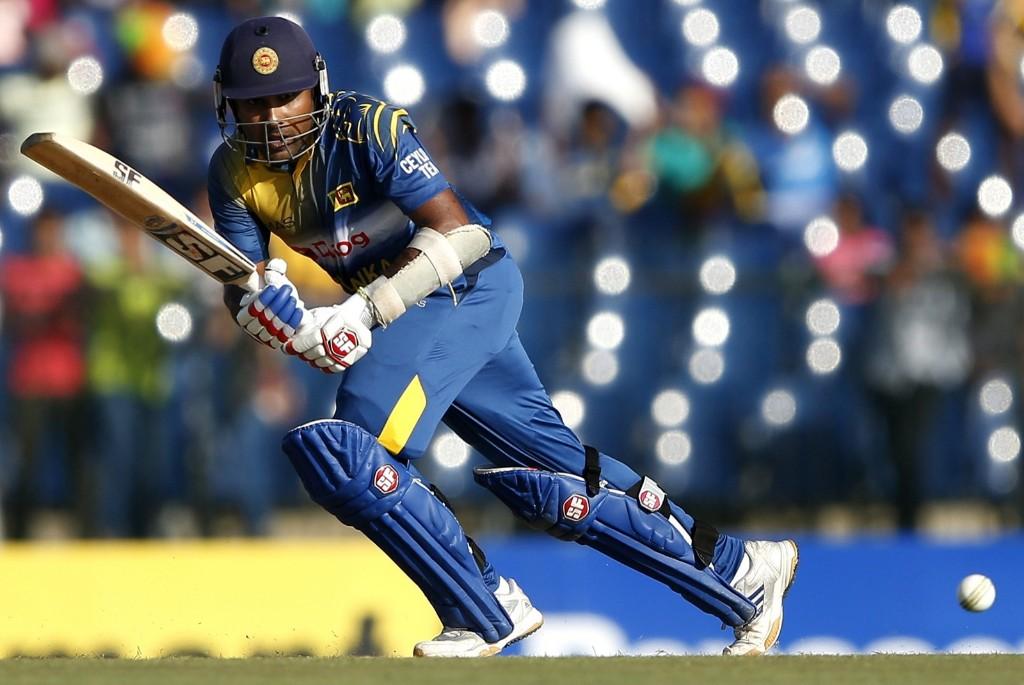 Sri Lanka's Mahela Jayawardene plays a shot during cricket match against Pakistan in Hambantota. REUTERS/Dinuka Liyanawatte