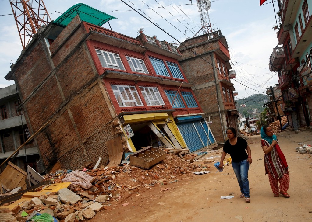 A building damaged by earthquakes in Sindhupalchowk district, Nepal. REUTERS/Ahmad Masood