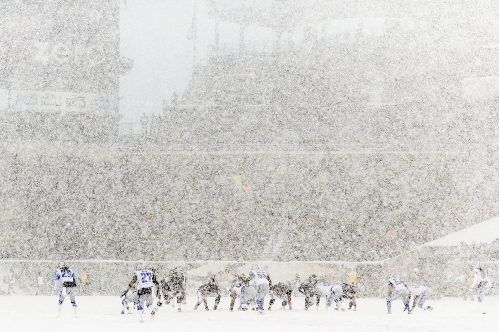 Eagles and Lions battling each other and the weather in Philadelphia. Howard Smith-USA TODAY Sports