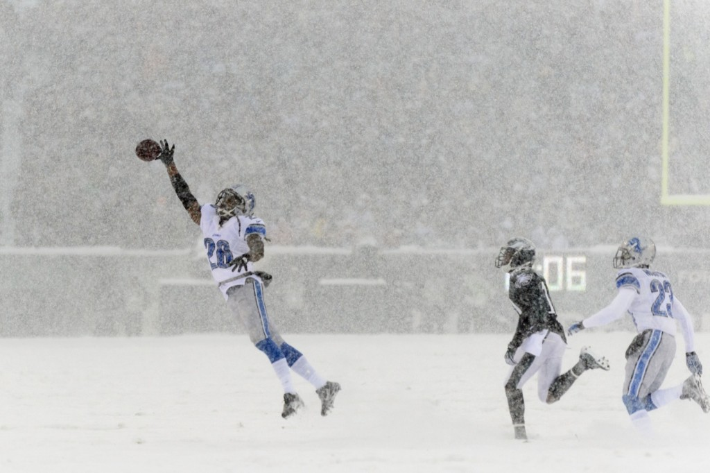 Lions cornerback Bill Bentley just misses making an interception against the Eagles. Howard Smith-USA TODAY Sports