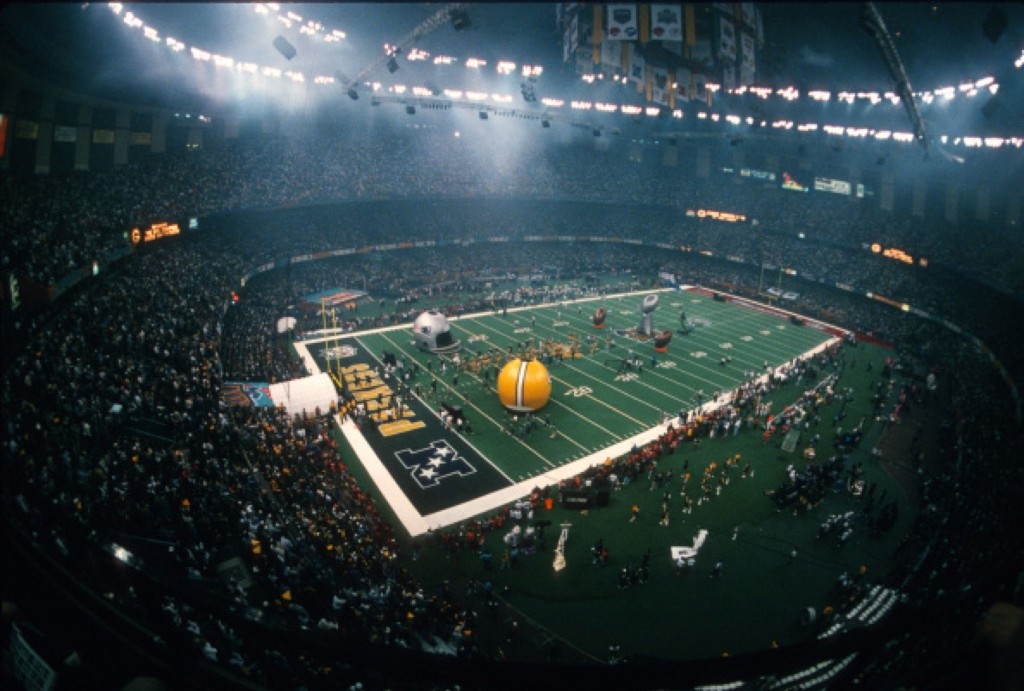 View of the Louisiana Superdome prior to Super Bowl XXXI between Patriots and Packers, Jan.1997 in New Orleans. Packers won, 35-21. Focus on Sport/Getty Images