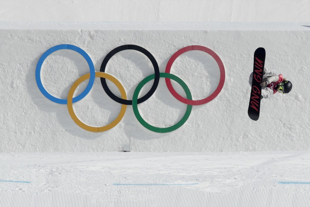 Jamie Anderson of the U.S. getting silver medal in women's big air snowboard final. AP Photo/Dmitri Lovetsky