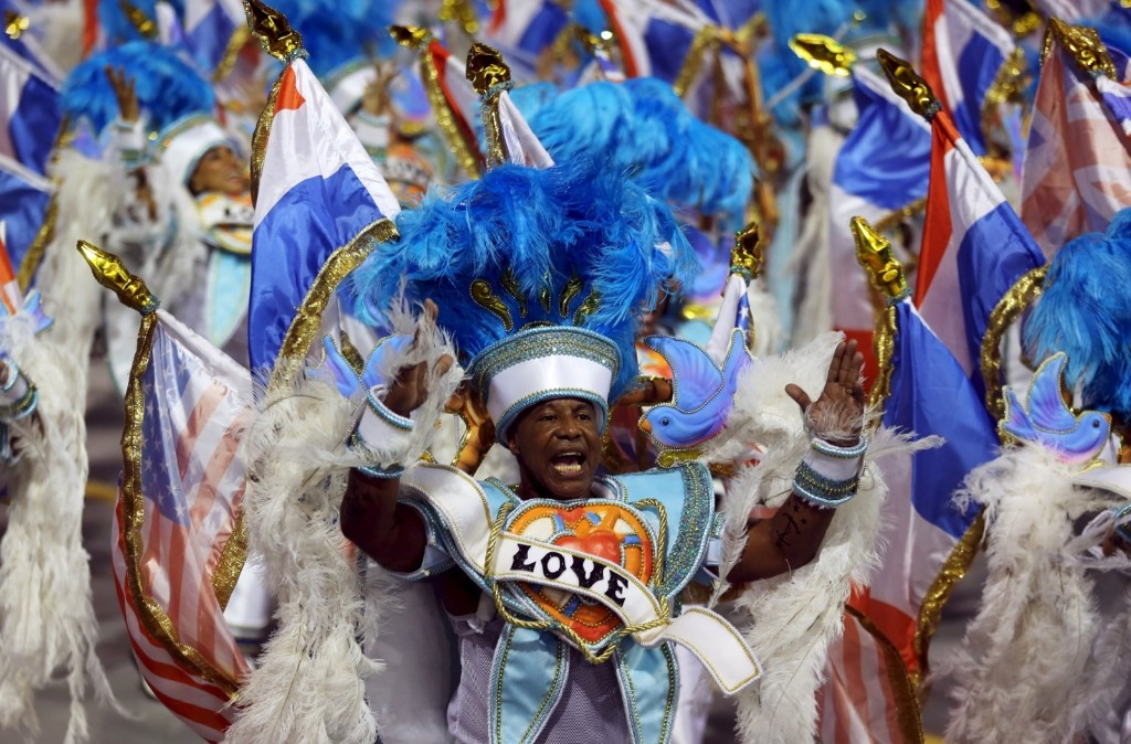 Revellers from Rosas de Ouro samba school during carnival in Sao Paulo, Brazil. REUTERS/Paulo Whitaker