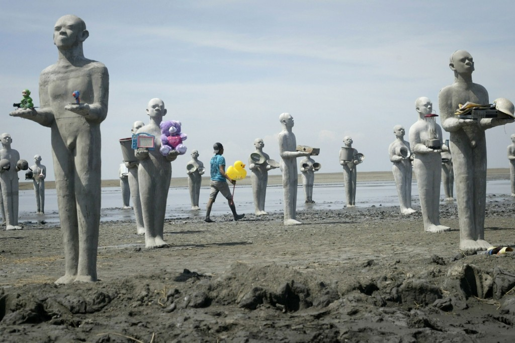 An installation by Indonesian artist Dada Christanto commemorating the eighth anniversary of the mud volcano disaster in Java. JUNI KRISWANTO/AFP/Getty Images