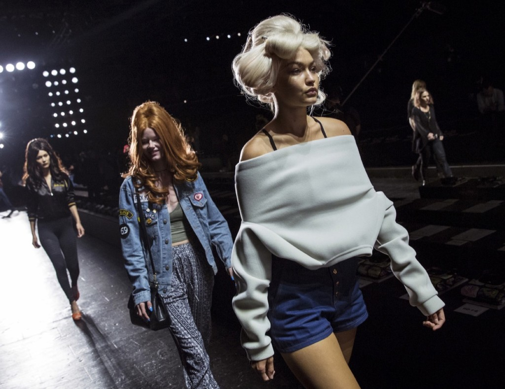 Gigi Hadid walks the runway during rehearsals before the Jeremy Scott Spring/Summer 2016 collection presentation. REUTERS/Andrew Kelly