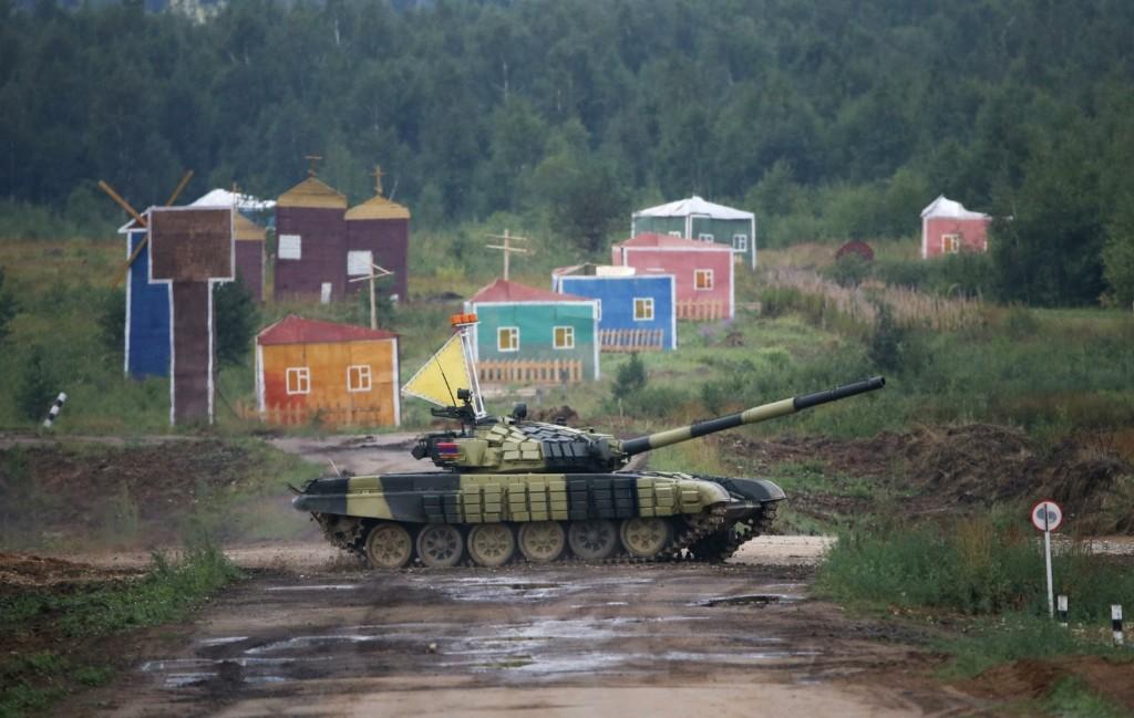 The Tank Biathlon world championship in Alabino, outside Moscow. REUTERS/Maxim Zmeyev