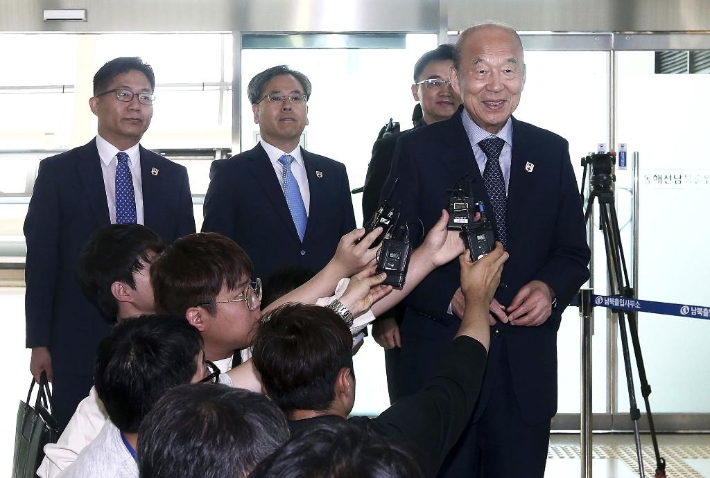 2 Koreas discuss holding new reunions of war-split families