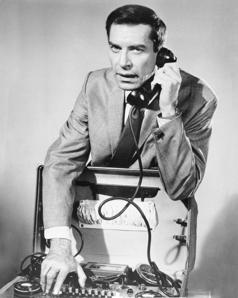 Martin Landau as agent Rollin Hand in the TV series 'Mission: Impossible', circa 1966. Silver Screen Collection/Getty Images