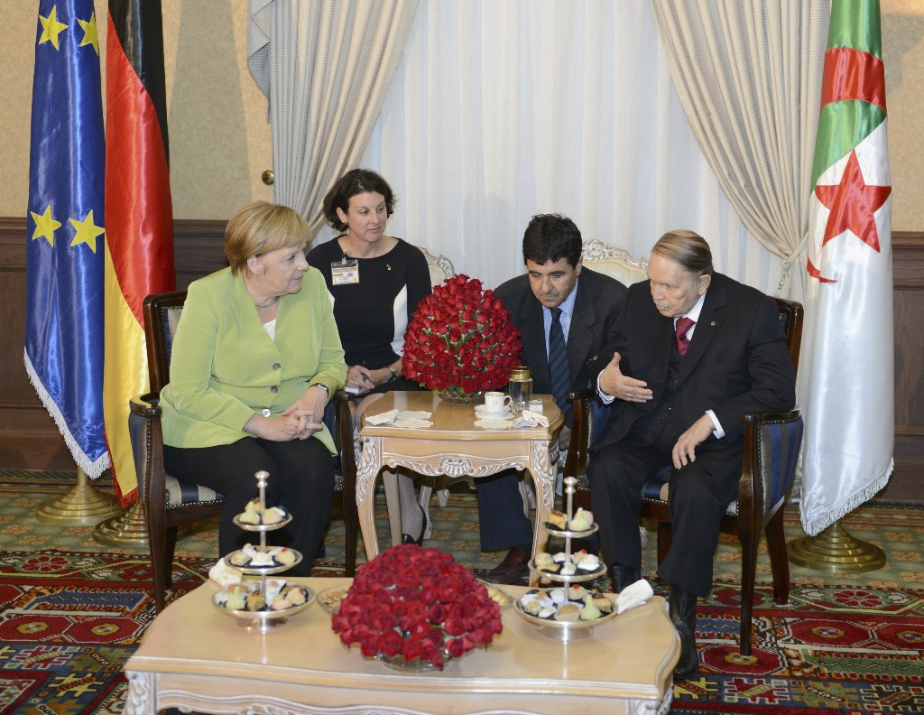Merkel, Algerian officials discuss migration, Libya