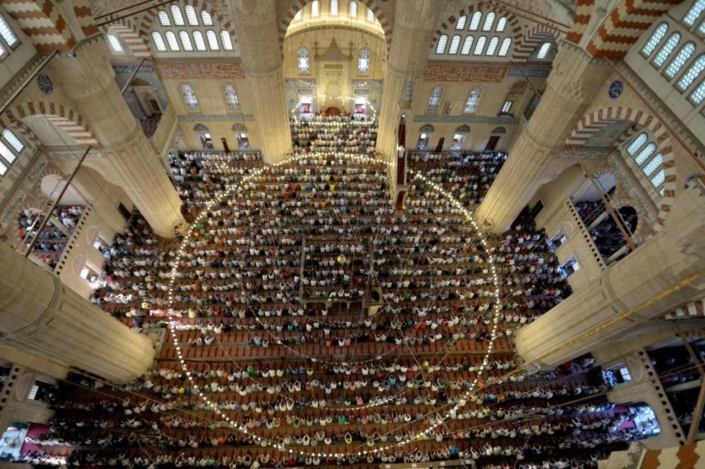 Muslims in Turkey perform Eid al-Fitr prayer at Selimiye Mosque. Gokhan Balci/Anadolu Agency/Getty Images