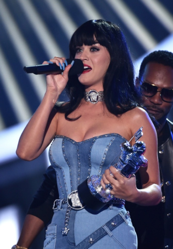 Katy Perry wins Best Female Video for 'Dark Horse'. Photo by Kevin Winter/Getty Images for MTV