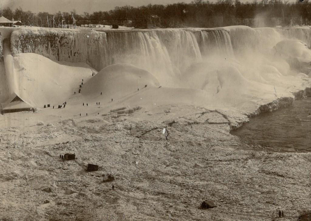 Winter scene in Niagara Falls, Canada circa 1912. Toronto Star Archives/Getty Images