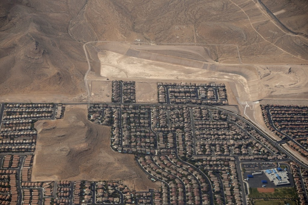 Homes next to desert in Las Vegas. NASA has predicted that the second half of the century could see the worst drought conditions in a 1,000 years. REUTERS/Lucy Nicholson