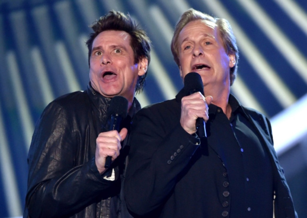 Jim Carrey and Jeff Daniels perform. Photo by Kevin Winter/Getty Images for MTV