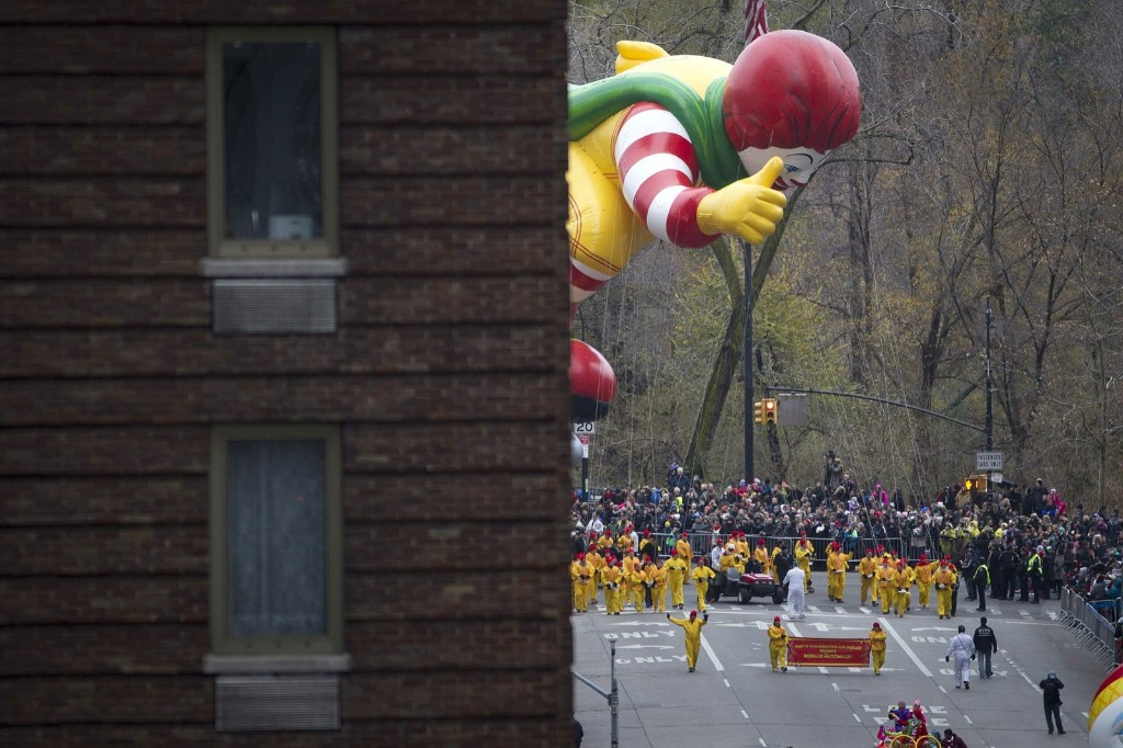 Ronald Mcdonald emerging from behind a building on the Upper West Side. REUTERS/Carlo Allegri