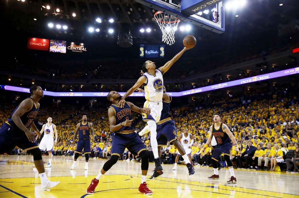 Shaun Livingston of the Warriors goes up against James Jones. Ezra Shaw/Getty Images