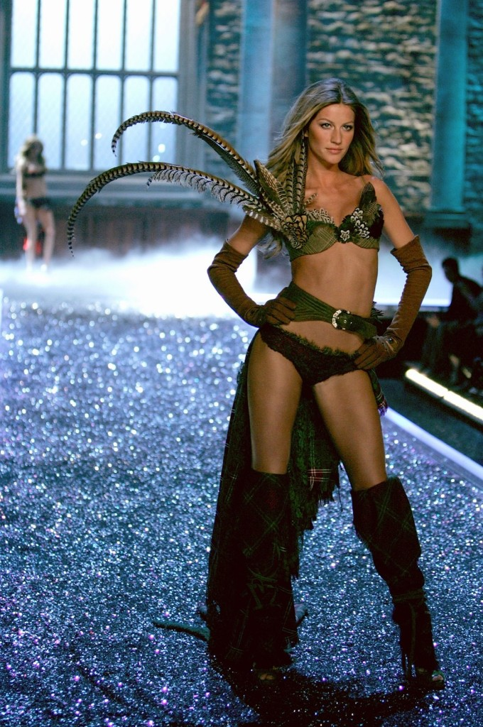 Gisele Bundchen during the Victoria's Secret Fashion Show, November 16, 2006 in Hollywood, California. Mark Mainz/Getty Images