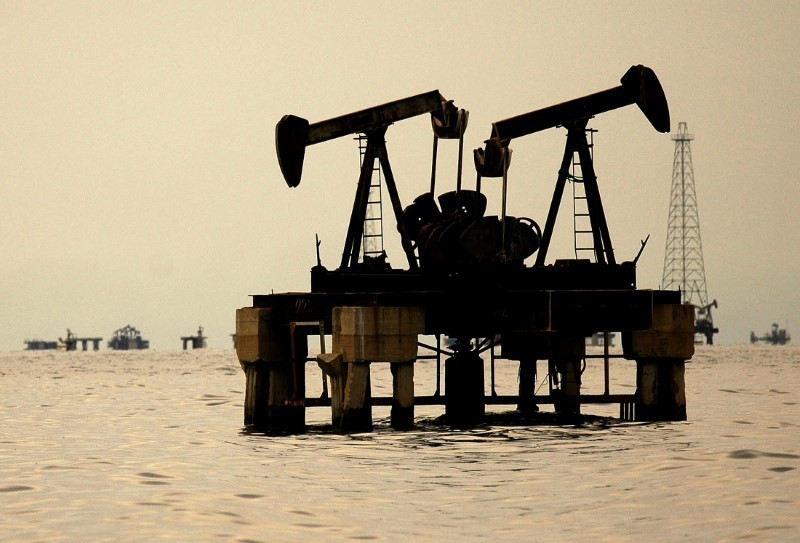 Oil prices drop as fears wane about fallout from Syria strikes