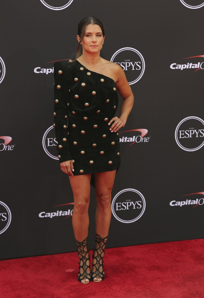 ESPYs host Danica Patrick falls flat in opening monologue