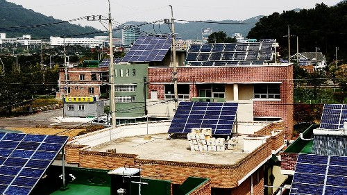 Is Rooftop Solar Finally Good Enough to Disrupt the Grid?