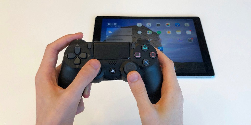 How to connect PlayStation controller or Xbox game controller to iPhone and iPad