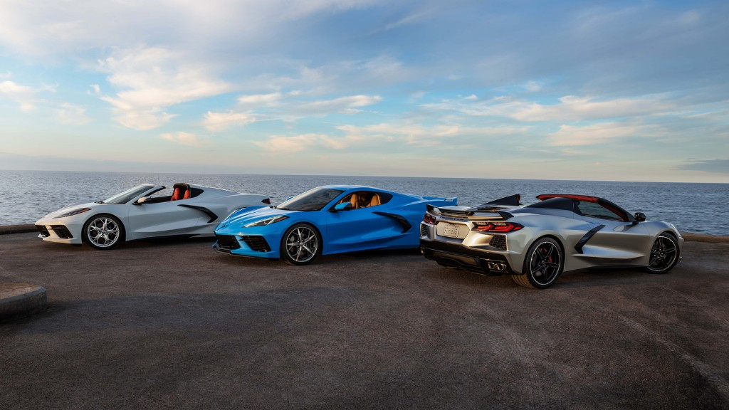 Chevrolet unveils 2021 Corvette Stingray with Wireless CarPlay and wireless iPhone charging - 9to5Mac