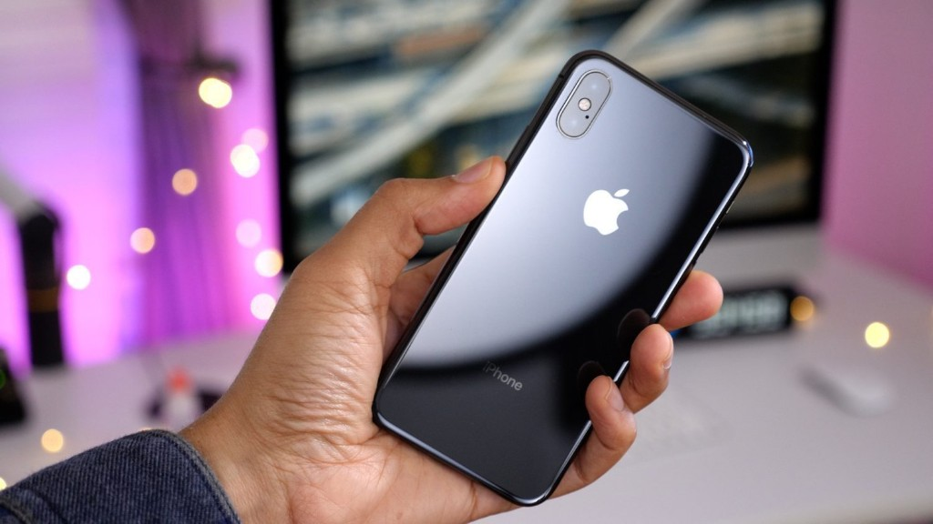iPhone loyalty falls to all-time low, new report suggests - 9to5Mac