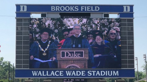 Tim Cook encourages fearlessness, echoes Steve Jobs during Duke commencement