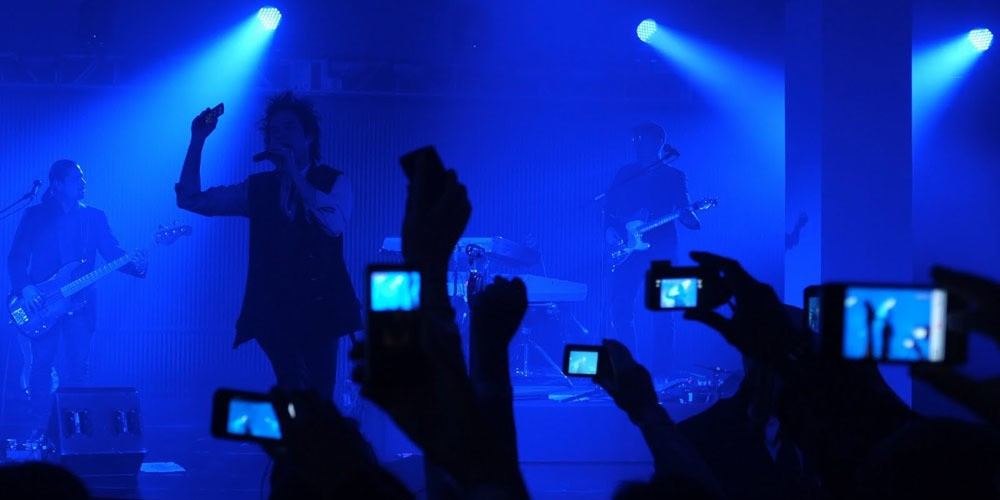 Apple granted patent for way to stop iPhones from taking photos at concerts or sensitive locations - 9to5Mac