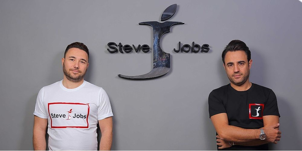 Bizarre European ruling allows Italian designers to use Steve Jobs brand and Apple-like logo - 9to5Mac