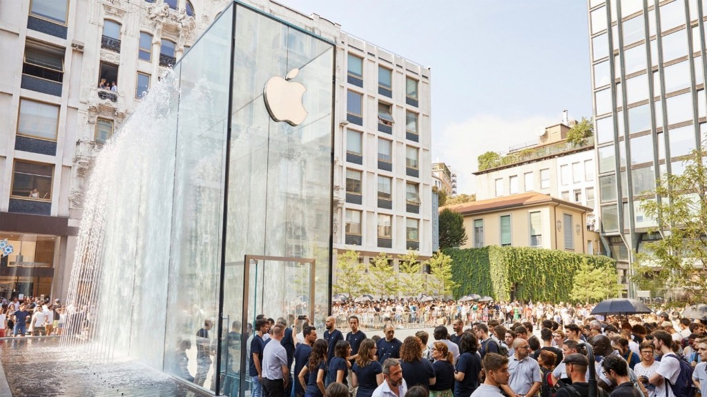 Tim Cook says Apple making 'substantial donation' including medical supplies to Italy amid COVID-19 - 9to5Mac