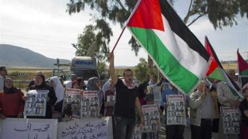 PLO: Israel using prisoners as 'blackmail'