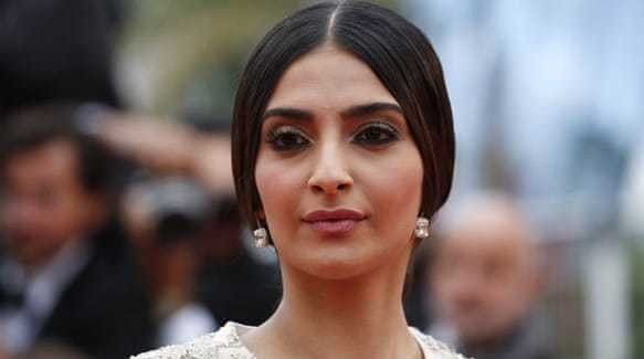 Bollywood star 'shaken' after Uber ride in London