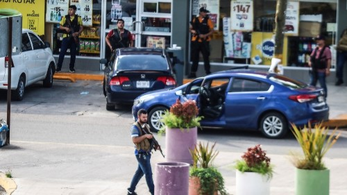 Gun battle thwarts Mexico attempt to arrest son of 'El Chapo'