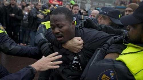 Protesters clash at Dutch 'Black Pete' event