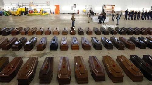 Lampedusa boat-wreck death toll rises