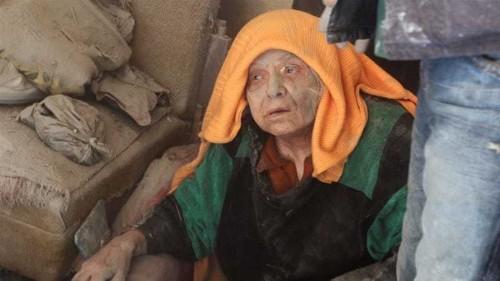 Syria war: UN aid chief laments 'massive suffering'