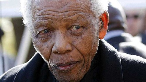 South Africa's Mandela returns to hospital
