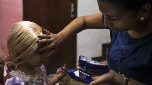 A home for Sofia: A single mother's struggle in Caracas