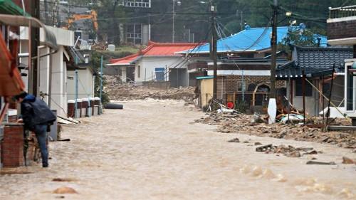 Tropical Storm Mitag leaves destruction across South Korea