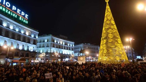 Spaniards protest against austerity cuts