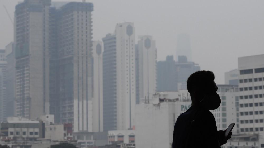 Haze blankets Kuala Lumpur, Singapore as fires rage in Indonesia