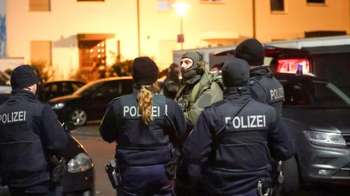 Hanau shooting: Nine dead in attacks at shisha lounges in Germany