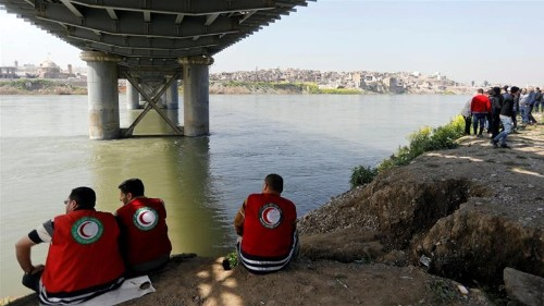 Iraq's parliament fires governor over Mosul ferry disaster