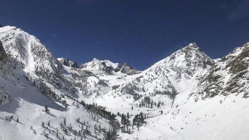 Skeleton found on California peak creates 'mystery'
