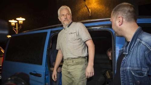 Ukraine rebels free four OSCE observers
