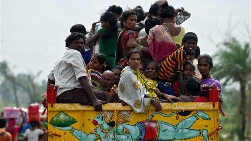 Cyclone Hudhud makes landfall in India