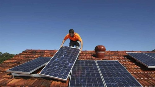 Australia's rising solar power 'revolution'